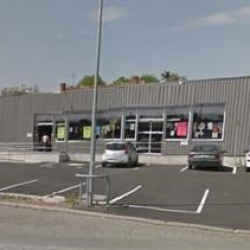 Location Local commercial Thiers 310 m²