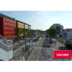 Location Local commercial Cenon 93 m²