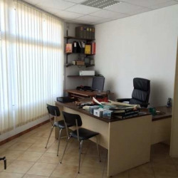Location Bureau Gardanne 202 m²