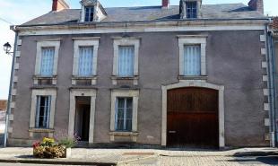 vente Maison / Villa 8 pièces Châteaumeillant