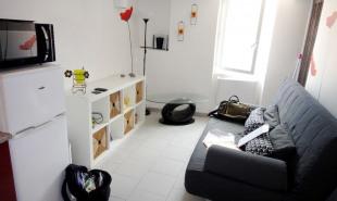 location Appartement 1 pièce Saint-Mitre-les-Remparts