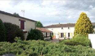 vente Maison / Villa 8 pièces Montendre