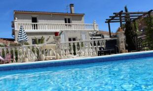 vente de prestige Maison / Villa 7 pièces Aigues-Mortes