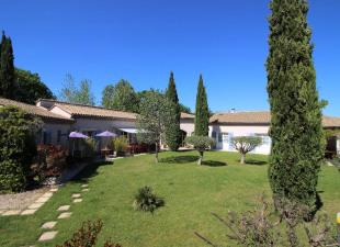 vente de prestige Maison / Villa 14 pièces Uzes