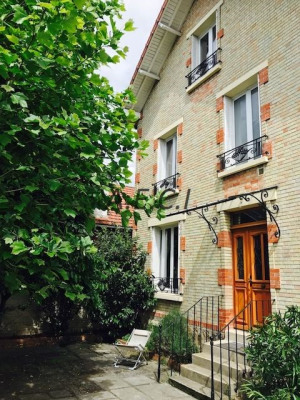 Colombes proche bel air
