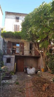 Maison de maître avec garage, dépendance et jardin