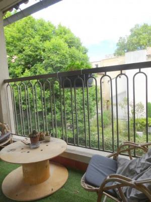 Avignon Intra- Muros - Studio avec cave, ascenseur et terrasse