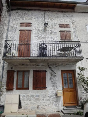 Maison en pierre 4 pièces