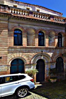 Belles pierres Toulouse centre terrasse sur les tois