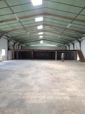 Location Local d'activités / Entrepôt Bernis