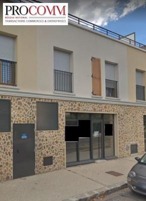 Rental - Shop - 140 m2 - Le Mesnil Saint Denis - Photo