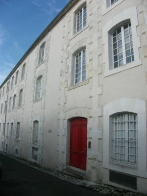 2 rooms Centre Ville de Cognac