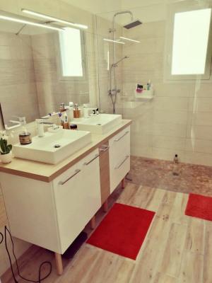 Sale - House / Villa 4 rooms - 85 m2 - Arsac - Photo