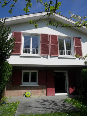 Maison La Celle Saint Cloud 6 pièce (s) 134 m²