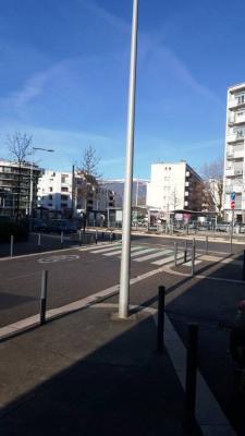 Grenoble - Palais des Sports - T1 de 39 m² avec balcon et ascens