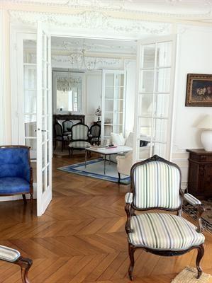Location appartement Paris 7ème 4510€ CC - Photo 2