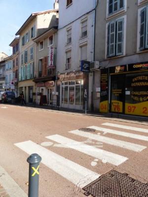 Domène centre Ville - Rue de la République - Local de 28 m²