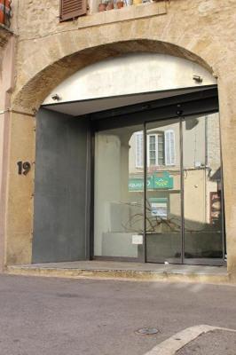 Local commercial de 280 m² rue commerçante principale de Lambesc