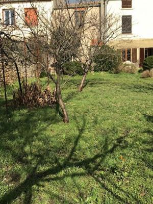 Maison en pierres T6 avec jardin et remise