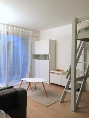 Studio meublé avec petite terrasse