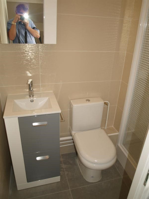 Rental - Apartment 2 rooms - 30 m2 - Limonest - Salle de bains - Photo