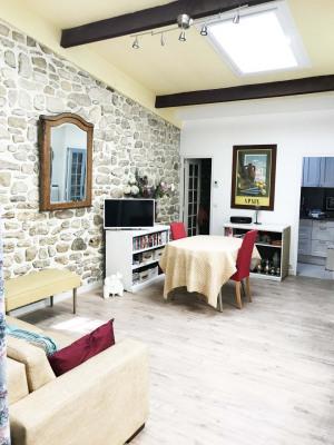 Appartement comme une maison d'un immeuble ancien + terrasse