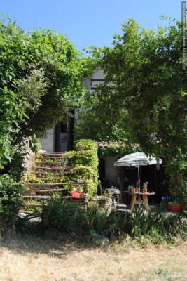 A la campagne. Maison de vacances avec remise et jardin