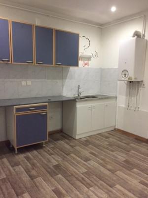 appartement F3 spacieux avec cour