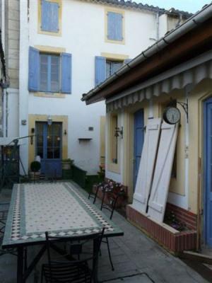 Maison bourgeoise avec piscine, jardin et dépendance