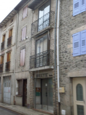 Maison de bourg 100M² hab avec cour et garage 2 voitures