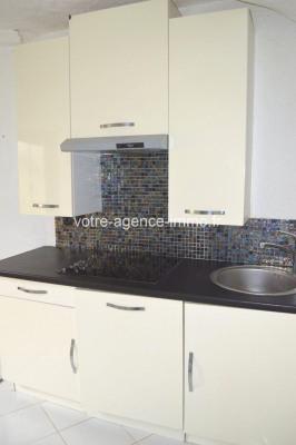 Verkauf - Dorfhaus 1 Zimmer - 67 m2 - Aspremont - Photo