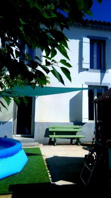 Maison de village avec terrasse, cour et parking privatif