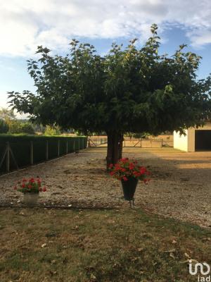 Vente - Maison de village 4 pièces - 83 m2 - Saint Seurin sur l'Isle - Photo