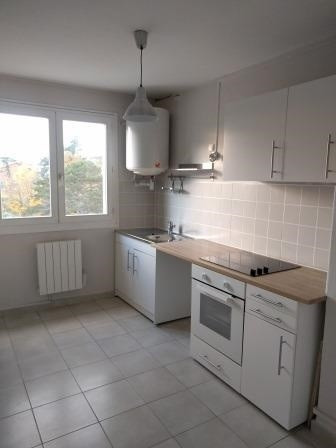 Rental apartment Oullins 634€ CC - Picture 3