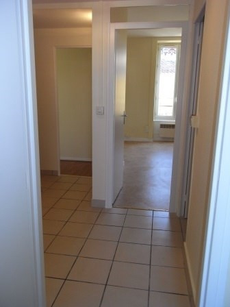 Location appartement Oullins 623€ CC - Photo 4