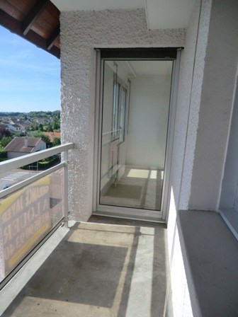 Rental apartment Chatenoy le royal 790€ CC - Picture 4