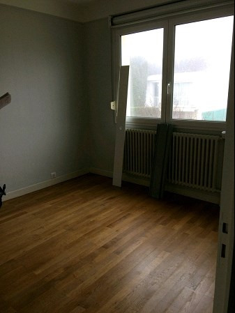 Location maison / villa La roche sur yon 660€ CC - Photo 5
