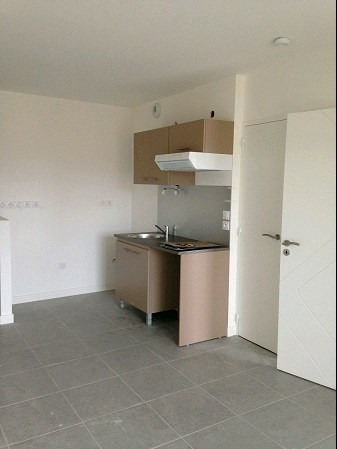 Rental apartment La roche sur yon 455€ CC - Picture 3