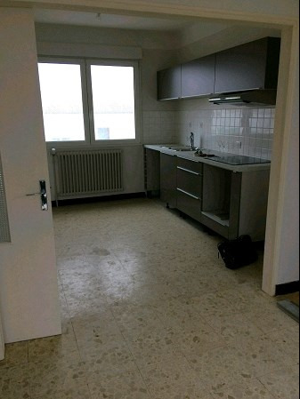 Location maison / villa La roche sur yon 660€ CC - Photo 2