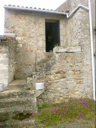 Sale house / villa Maisdon sur sevre 95490€ - Picture 3