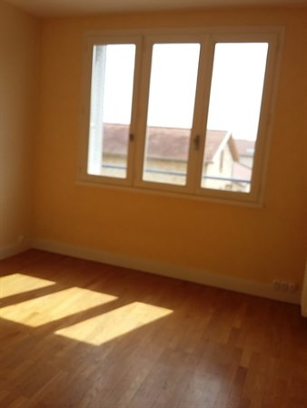 Location appartement Villefranche sur saone 663€ CC - Photo 5