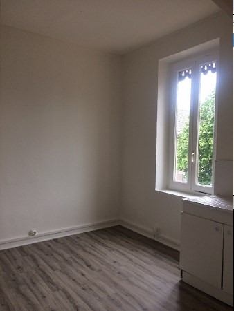 Location appartement Decines 572€ CC - Photo 2