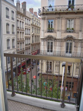 Rental apartment Lyon 2ème 891€ CC - Picture 2