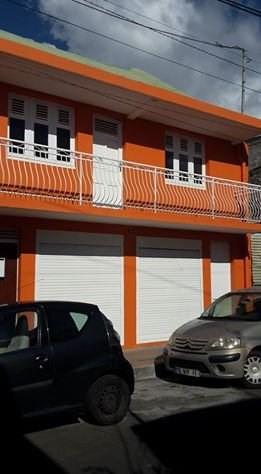 Rental empty room/storage Basse terre 1200€ CC - Picture 1
