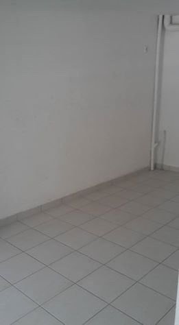 Location local commercial Basse terre 4147€ CC - Photo 5