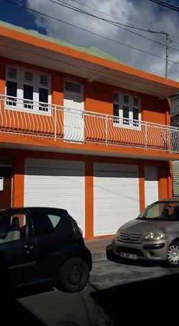 Produit d'investissement immeuble Basse terre 275600€ - Photo 1