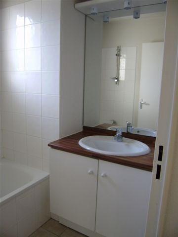 Location appartement Artix 575€ CC - Photo 3