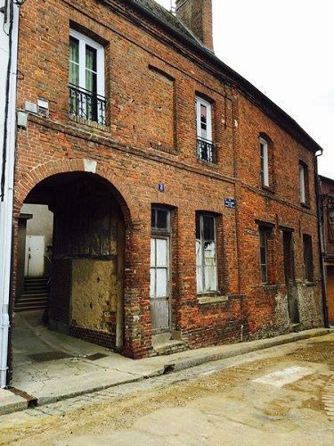 Sale building Aumale 87 000€ - Picture 1