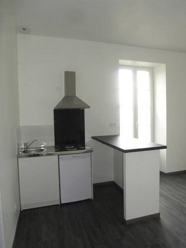 Location appartement Cognac 414€ CC - Photo 1
