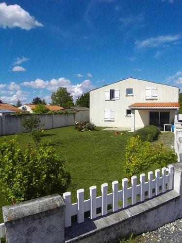 Rental house / villa Germignac 750€ CC - Picture 1
